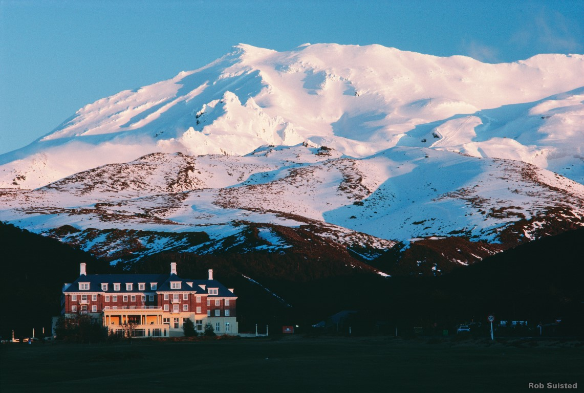 L144-Bayview-Chateau-Tongariro-Ruapehu-Rob-Suisted-Medium
